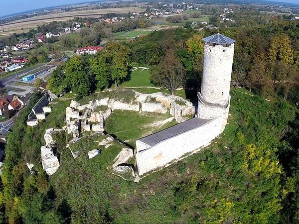 zamek-w-ilzy