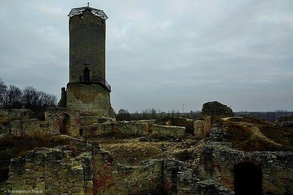 4194216_ruiny-zamku-w-ilzy-4-